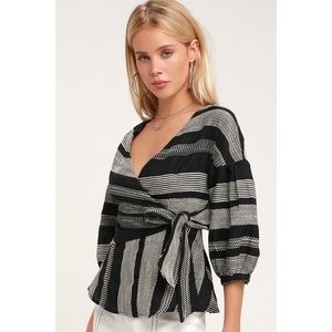 🆕 Black & White Striped Wrap Top